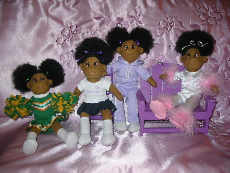 Pretty Puff Dolls Group